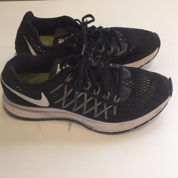 Nike zoom Pegasus 32 black and white size US 6